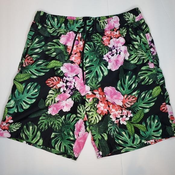 0d4ce2a8d5 Forever 21 Swim   Mens Tropical Hawaiian Trunks   Poshmark